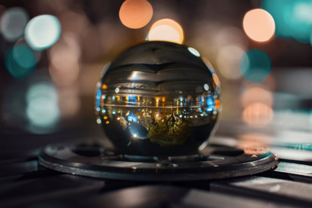 How to Do a Crystal Ball Reading